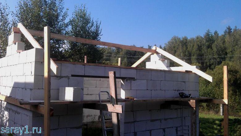 процесс строительства сарая