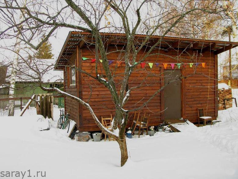 сарай зимой
